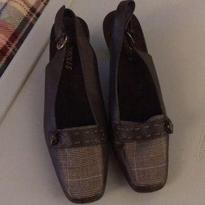 Aerosoles Leather and Plaid Kitten Heels